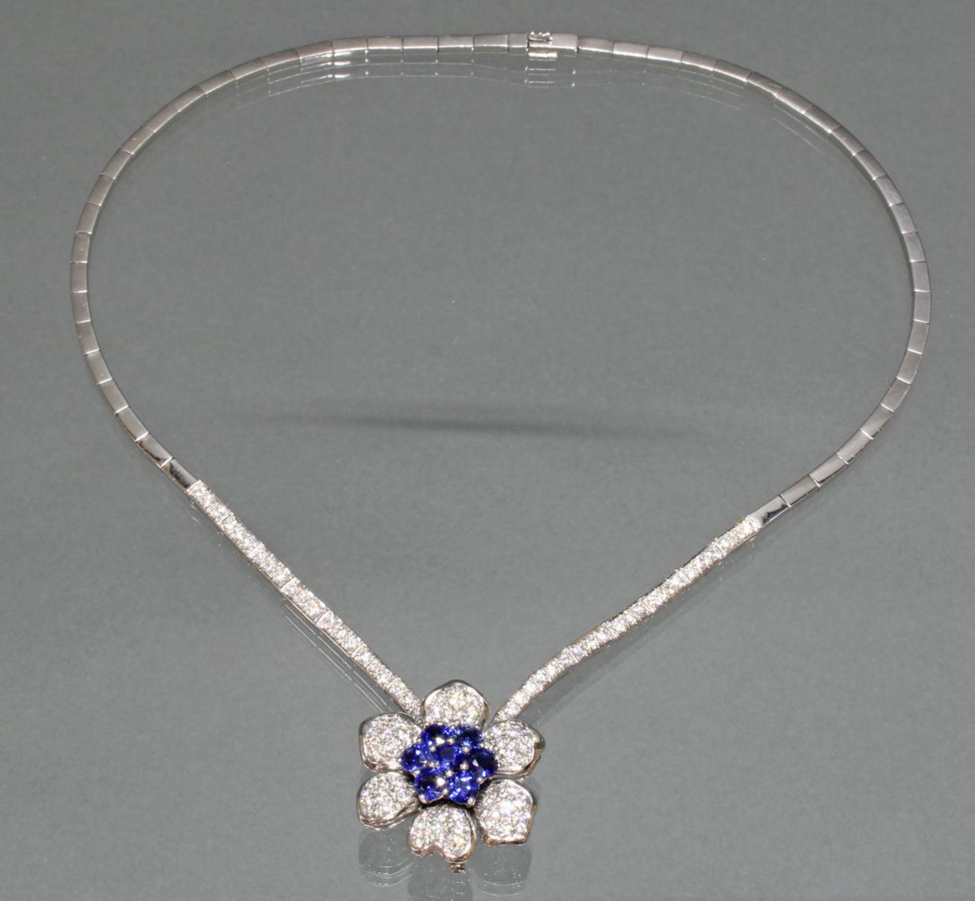 Collier, 'Blüten'-Mittelteil auch als Brosche zu tragen, Collier, WG 750, 54 Brillanten zus. ca. 1 - Bild 2 aus 2