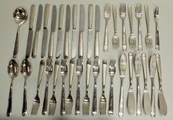 Besteckteile, versilbert 150, Wilkens, Modell Opera: 6 Fischgabeln, 6 Fischmesser, 10 Gabeln, 10 Me