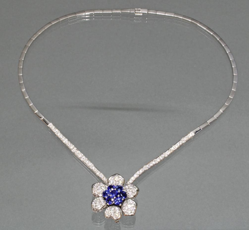 Collier, 'Blüten'-Mittelteil auch als Brosche zu tragen, - Image 2 of 2