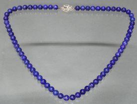 Lapislazuli-Kugelkette, ø 9 mm, Schließe WG 585, 3 runde facettierte Saphire, 6 Besatz-Diamanten, 6