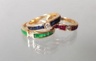 3 Ringe, sog. Vorsteckringe, GG 585, Rubine, Smaragde, Saphire und Brillanten, zus. 7 g, RM 17