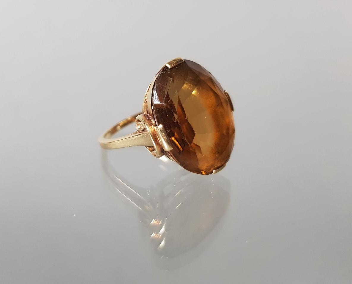 Ring, GG 585, 1 oval facettierter Rauch-Topas, 5 g, RM 16.5