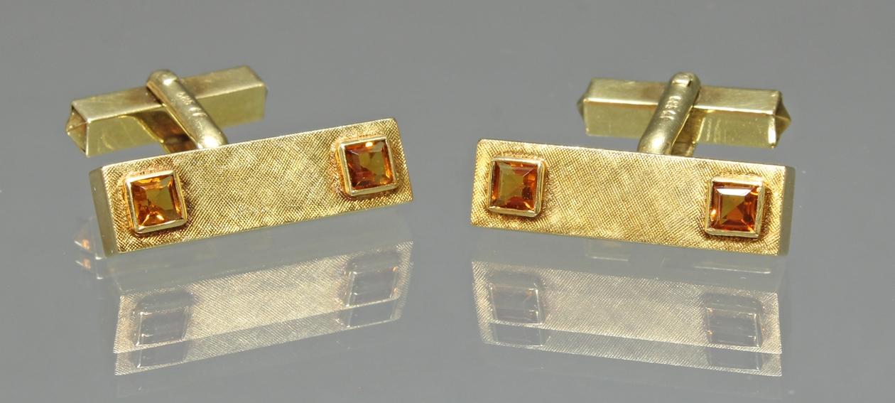 Paar Manschettenknöpfe, GG 585, mattierte Oberfläche, 4 quadratisch facettierte Citrine, 13 g