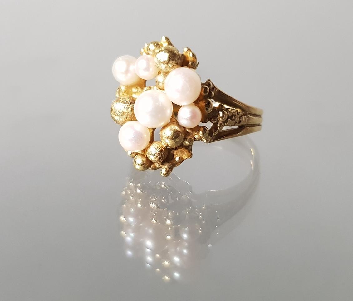 Ring, GG 750, 6 Akoya-Zuchtperlen ø 3-5 mm, Goldgranulat-Kügelchen, 7 g, RM 17.5