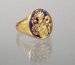 Ring, Lapislazuli, mit aufgesetztem reliefierten Wappen, GG 750, 11 g, RM 20