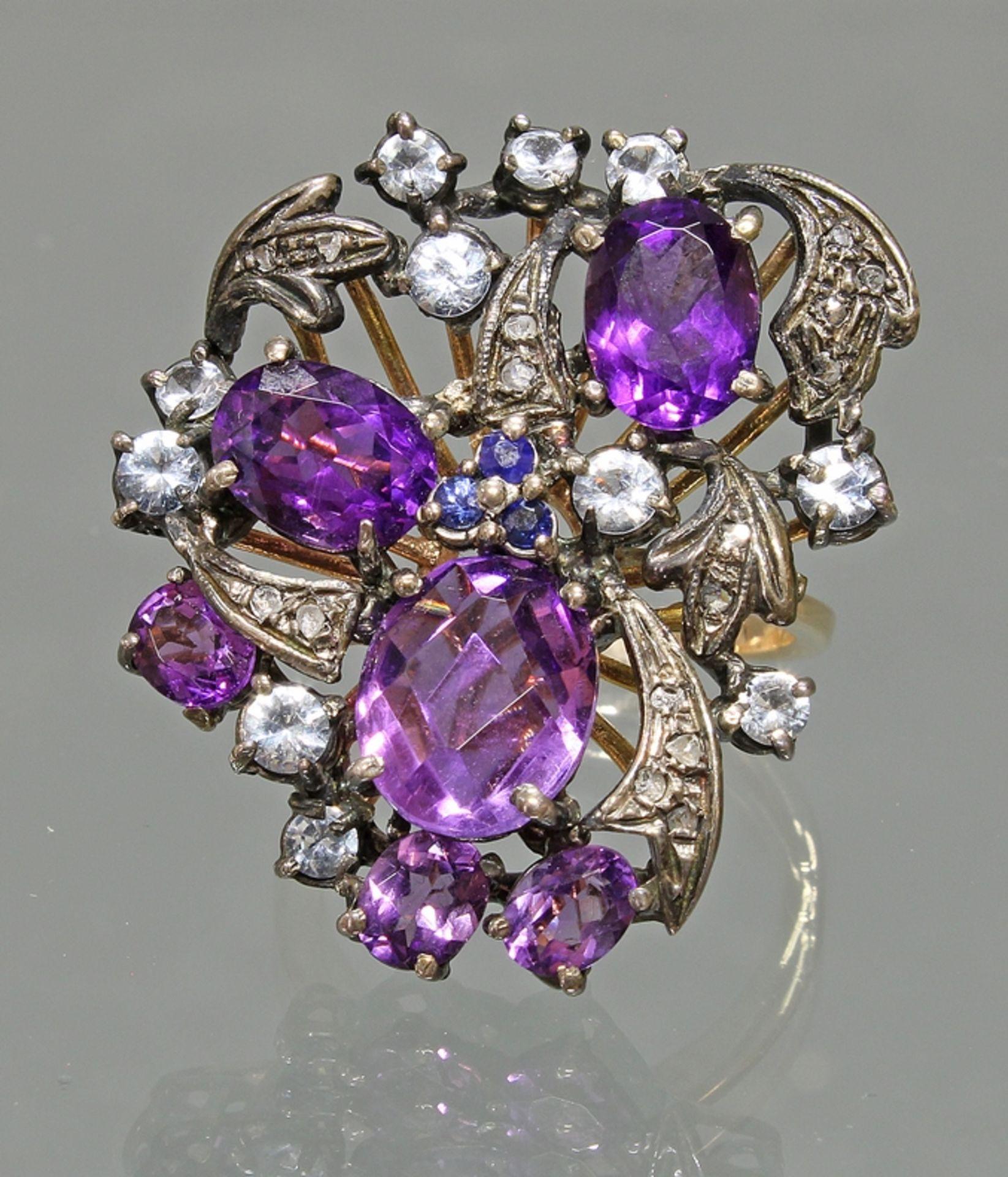 Ring, 'Blütenform, GG 585, weiß belötet, Amethyste, Saphire, Aquamarine, Diamanten, 10 g, RM 17