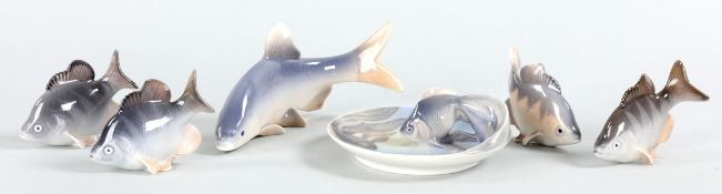 5 Fischfiguren u. 1 kl. Schale