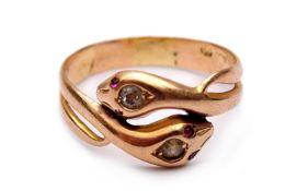 Ladies snake ring
