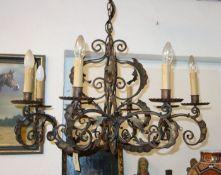 HANDGESCHMIEDETE LAMPE