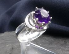 RING WITH AMTHYST