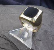 RING / signet ring