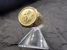 """MÜNZ - RING, Mexikanische Münze """"Dos y medio, Pesos, 1945"""" in Ringfassung aus 585er Gold (6,7 g)."""