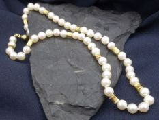 PEARL CHAIN with 750 yellow gold