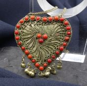 CHAIN WITH HEART HANGER