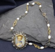 NECKLACE / COLLIER