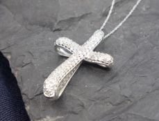 CHAIN WITH CROSS PENDANT