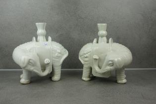 BLANC DE CHINE ELEPHANTS