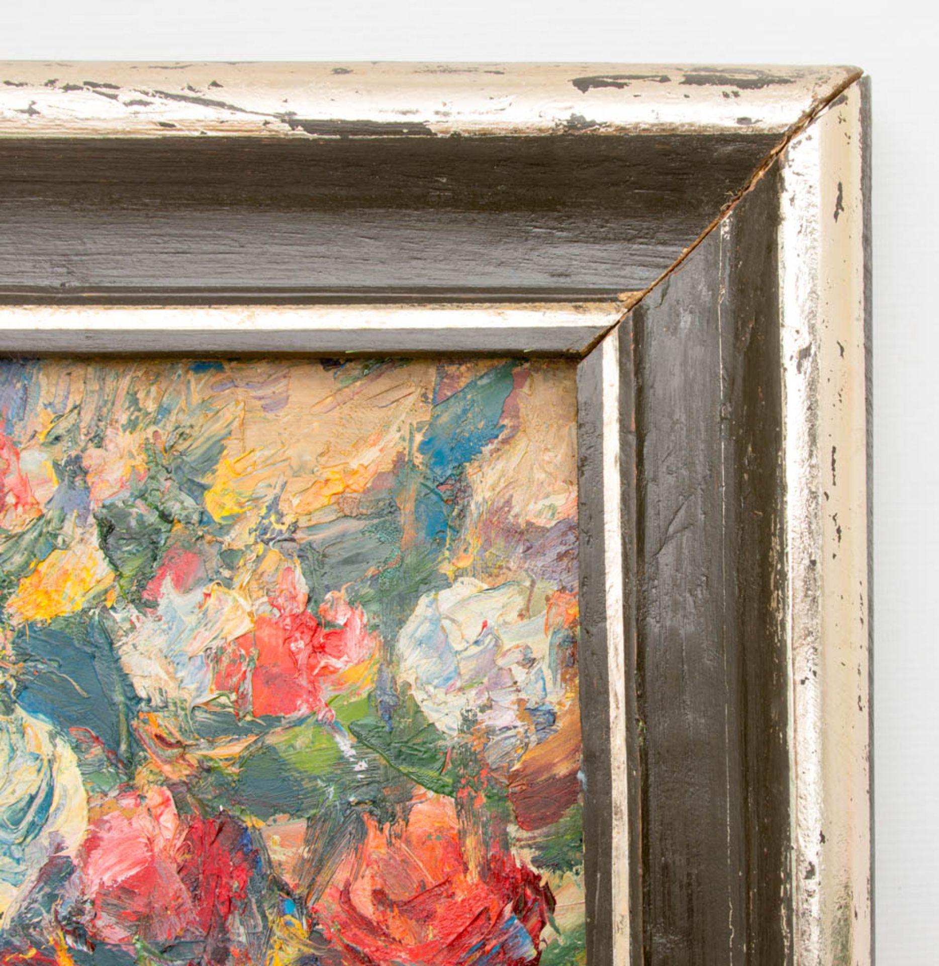"""Blumenstillleben, Acryl auf Leinwand, 20. Jh.Gerahmt. Rückseite weist Inschrift auf """" - Bild 3 aus 5"""