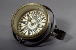 Einfacher Kronenkompass in Metall Gehäuse, H. 24cm, Ø 18cm (ohne Halterung)