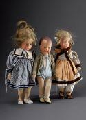 3 Diverse Käthe Kruse Puppen: 2 Mädchen und 1 Junge, 2x blond mit Echthaar, bra