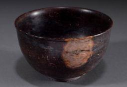 Dünnwandige antike Porphyr Schale mit auskragend | Thin-walled antique porphyry bowl with projectin