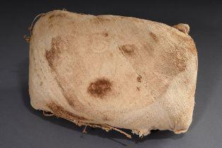 Inka Kissen zur Befestigung einer Gesichtsmaske | Inca cushion for fastening a face mask (13th/14t