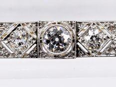 Stabnadel mit 41 Altschliff-Diamanten, zusammen ca. 2,1 ct, Juweliersarbeit aus dem Art Deco. P