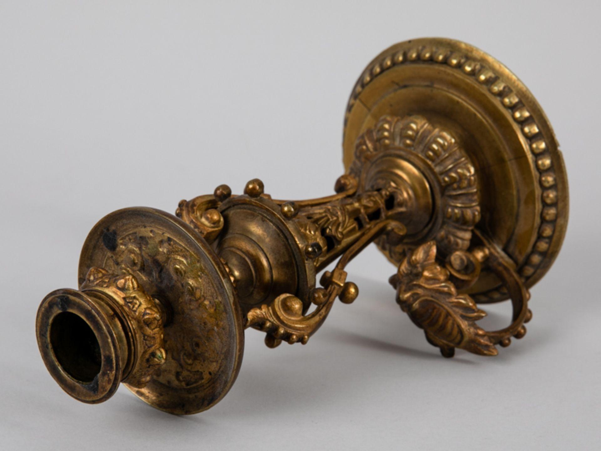 Neo-Renaissance-Einzelleuchter mit Griff, Ende 19. Jh. Zinkguss, vergoldet; mehrgliedrig versch - Bild 3 aus 7