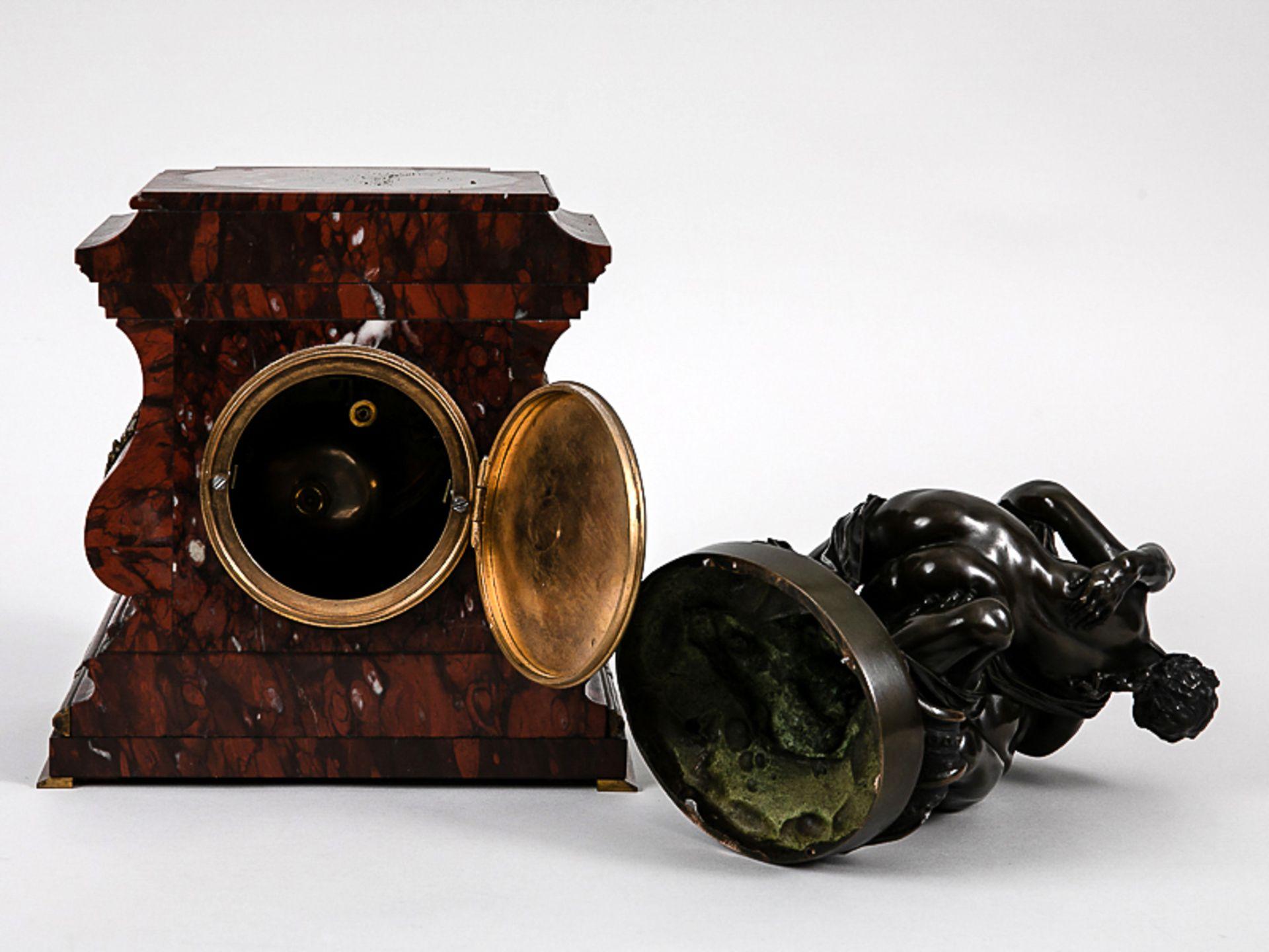 Kaminuhr mit Bronzegruppe, H. Jacquet & Fils/ Roblin, Paris, 2. Hälfte 19. Jh. Bronzeplastik i - Bild 7 aus 10