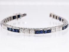 Streifenarmband mit 24 natürlichen Saphiren und 18 Altschliff-Diamanten, zus. ca. 2,6 ct, 80- er J