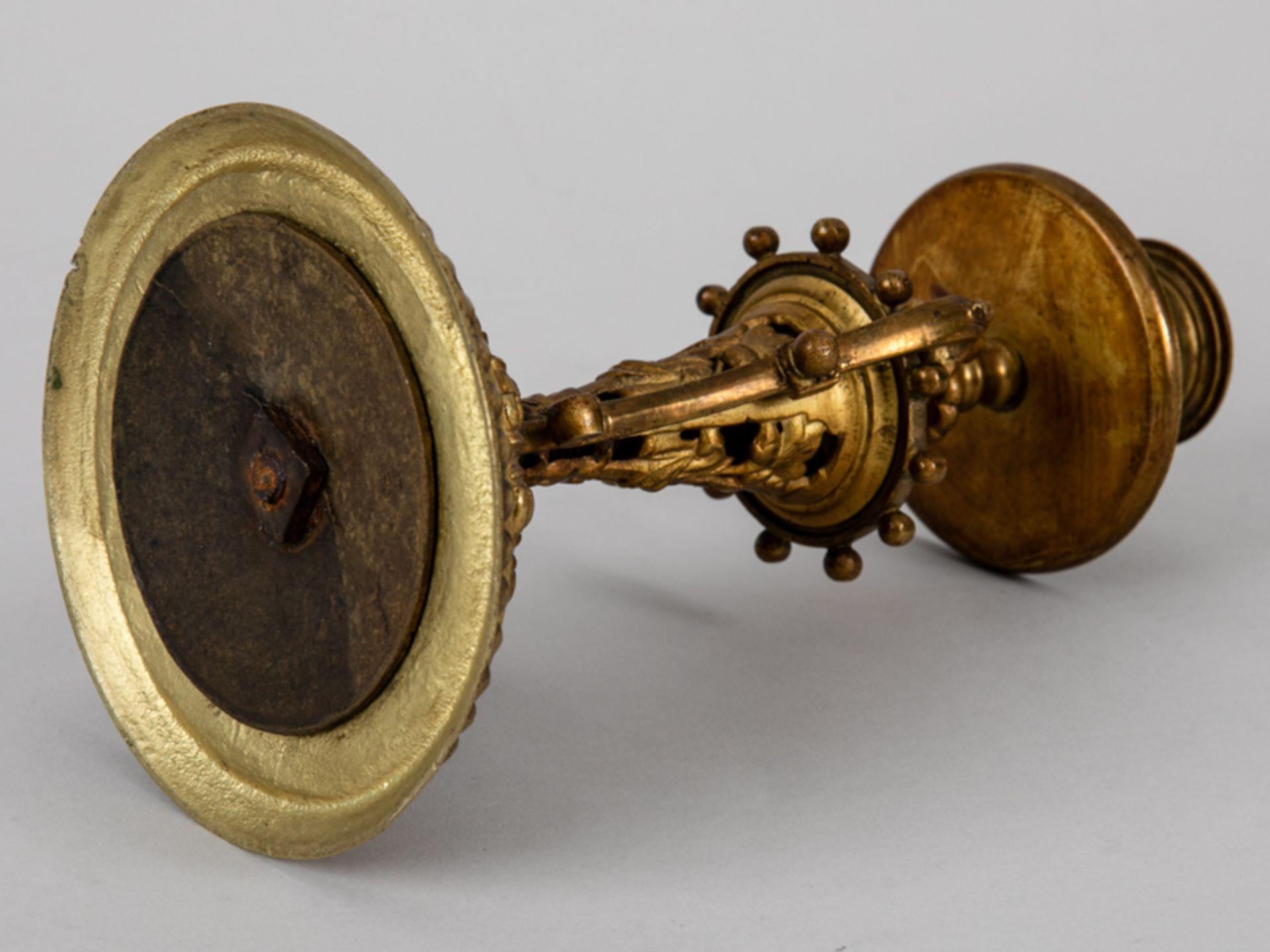 Neo-Renaissance-Einzelleuchter mit Griff, Ende 19. Jh. Zinkguss, vergoldet; mehrgliedrig versch - Bild 4 aus 7