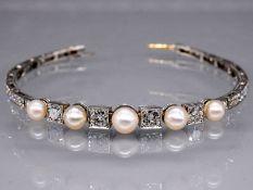 Hochwertiges Armband mit 5 Orientperlen und 51 Altschliff-Diamanten, zus. 3,3 ct. Art Deco. 585