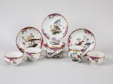 3 Teetassen, Zuckerdose + Kaffeetasse, Meissen, ca. 1760/74. Weißporzellan m. polychromer Voge