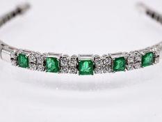 Armband mit 5 Smaragden; zus. ca. 1;96 ct und 20 Brillanten; zus. ca. 0;73 ct; Juwelier Rüschenbeck;