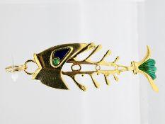 """Anhänger """"Fisch"""" mit Smaragd-Cabochons und Emaille; Italien; 90- er Jahre.<br><br>750/- Gelbgold. Ge"""