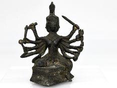 Vierköpfige Tara-Plastik; vermutlich Tibet/Nepal; wohl 18./19. Jh.<br><br>Bronze; dunkel patiniert;