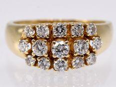 Ring mit 15 Brillanten; zus. ca. 0;9 ct; 80- er Jahre.<br><br>585/- Gelbgold. Gesamtgewicht ca. 5;5