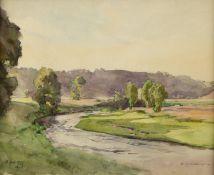 Compton, Edward Harrison. 1881 - Feldafing - 1960Fluss in sommerlichem Tal. Aquarell ü