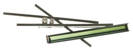 Brosche, Einzelstück, 750er WG, Gew. 10,1 g, Turmalin-Stab ca. 4,1 cm lang, 0,45 cmbreit, Ge