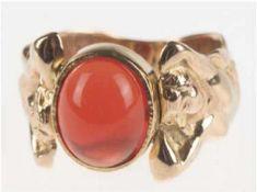 Ring, Anfertigung, 585er GG, Gew. 11,0 g, Feueropal- Cabochon, ca. 1,1 x 0,9 cm,Ringschultern