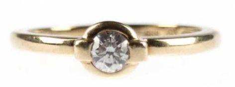 Brillant-Ring, 585er GG, besetzt mit Solitär von 0,2 ct, si, in Zargenfassung, RG 53,5