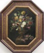 """Stillebenmaler 18. Jh. """"Sommerstrauß in Portalvase"""", Öl/Lw., unsign., 71x49,5 cm, im achteckigemOrig"""