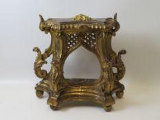 Reliquienständer, 18. Jahrhundert, Holz beschnitzt, Blattvergoldung, Restaurati