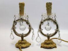 2 Tischlampen, Messing mit Kristallbehang, h 36 cm, d 14 cm.