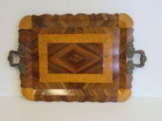 Henkeltablett, England, Mitte 19. Jahrhundert, Edelholz furniert, Henkel 925er Sterlingsilber, gepu