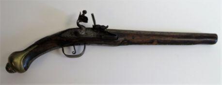 Steinschlosspistole, Holz, Messing und Eisen verziert, Modellwaffe, l 47 cm.