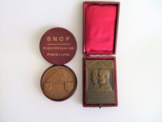 """2 Gedenkplaketten, """"Zum 100. Jährigen Geburtstag von Joh. Jak. Sulzer. 1806 - 1906."""", sign. Hans Fr"""