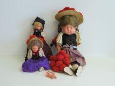 3 Schildkröt-Puppen in Schwarzwälder Tracht, besch.