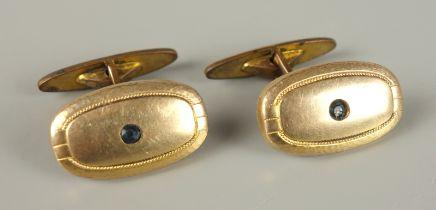 Paar Manschettenknöpfe mit saphirblauem Stein, Doublé, Jugendstiloval mit zentralem Stein, c