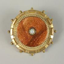Brosche mit Goldfluss, Gründerzeit um 1890zentrale, kleine Perle (Lüster beschädigt), D.32mm